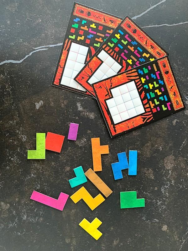 Spielkarten und Legeteile von Ubongo